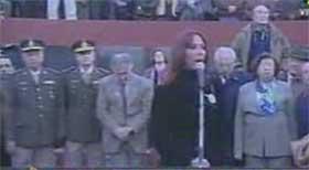 Karina Mujica presidenta de <i>Argentinos por la Memoria Completa</i> hablando en el acto del 24 de mayo del 2006 en la Plaza San Martín