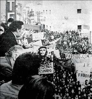 Nahuel Moreno hablando en el acto por la Masacre de Pacheco